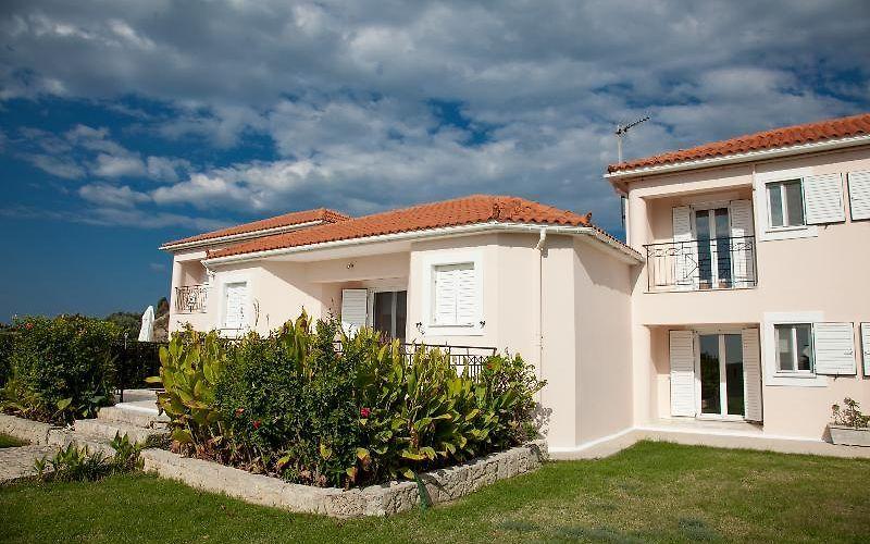 00023107da36 CAVALIERE HOUSES HOTEL MANTZAVINATA - Mantzavinata, Greece